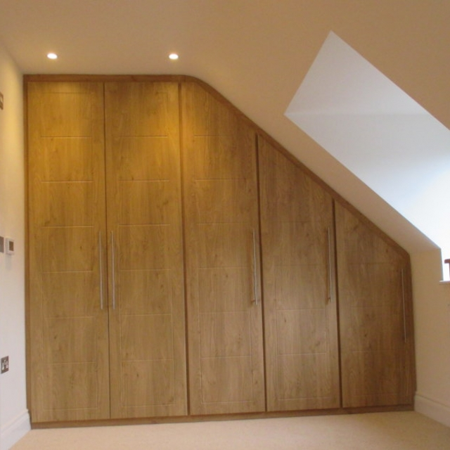 Angled-fitted-wardrobes2
