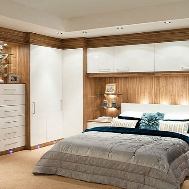 Glossy-Contemporary-White-Fitted-Bedroom-Furniture-Built-in-Wardrobes-With-White-Storage-and-King-Size-Headboards-For-Luxury-Master-Bedroom-Design-Ideas