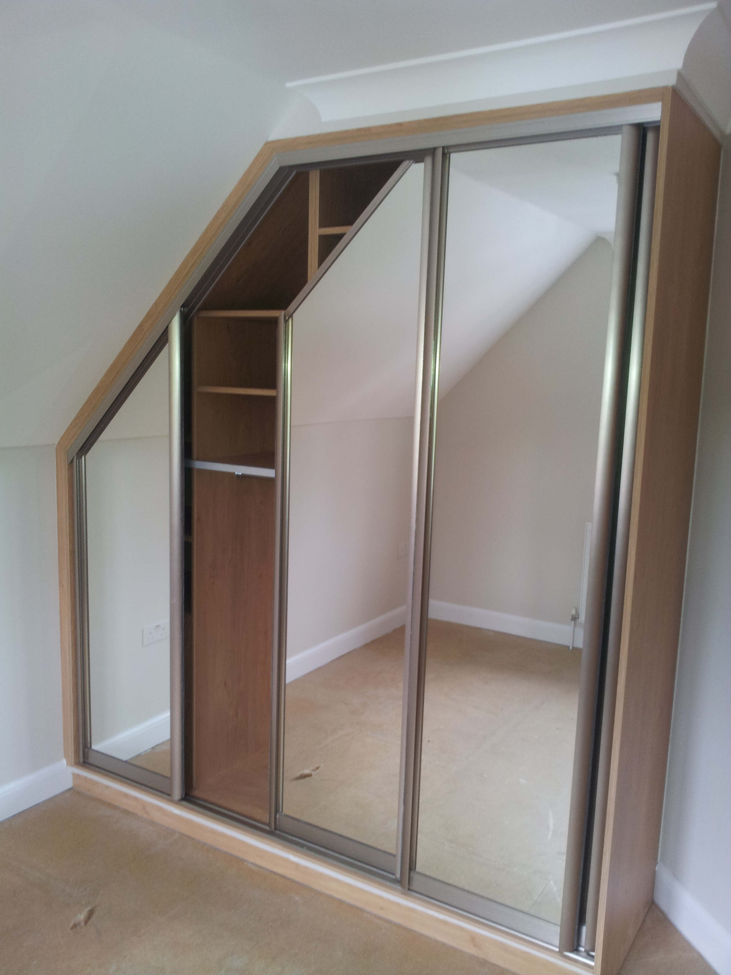 custom-made-wardrobes