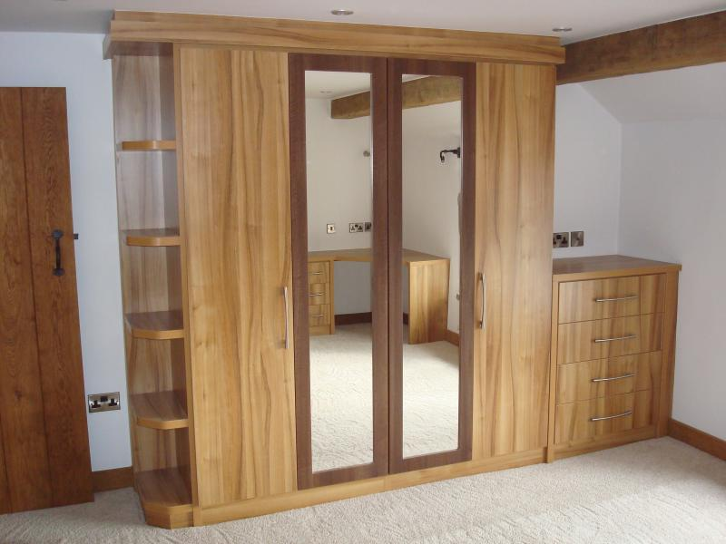 fitted-bedroom-furniture-boltonwhy-choose-fitted-wardrobes-over-free-standing-furniture-by-phase-gclmogew