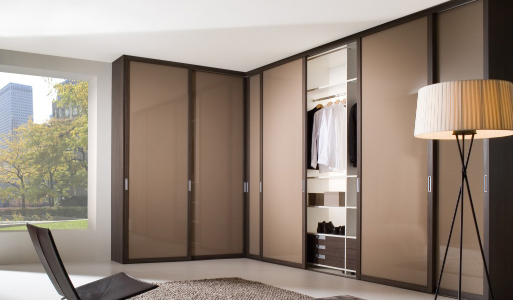 fitted-wardrobes-sliding-doors